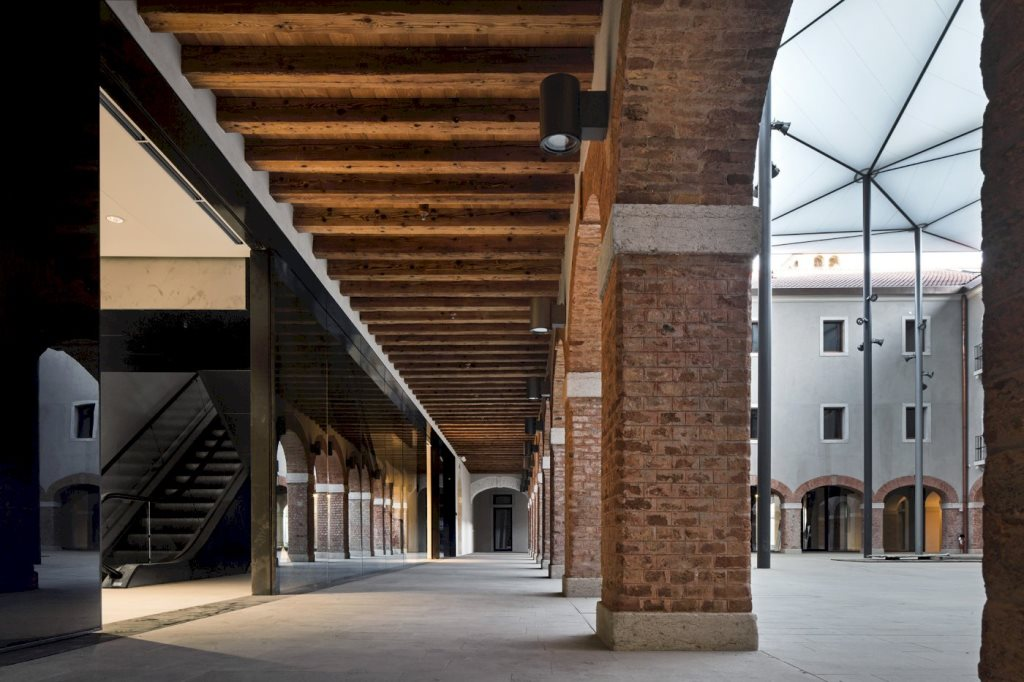 The renovated courtyard of the convent with retail finctions , M9 Venezia, Mestre; design Studio Sauerbruch Hutton *The mage curtesy Studio Sauerbruch Hutton