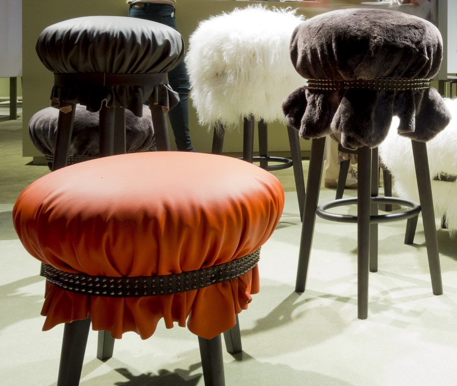 Popit collection (upholstery in leather, Merino or Mongolian sheepskin ) designed by Analogia Project for Frag