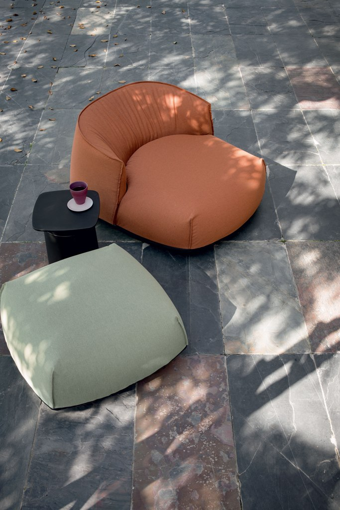 Poof Brioni designed by LucidiPevere for Kristalia