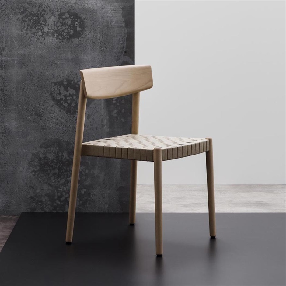 Smart chair designed by Estudio Andreu for Andreu World