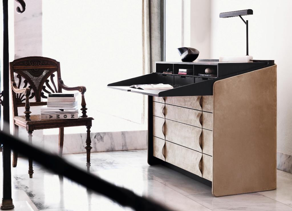 Gentleman secrétaire-writing desk, design Carlo Colombo (2014) for Flou Images courtesy Arhitonic