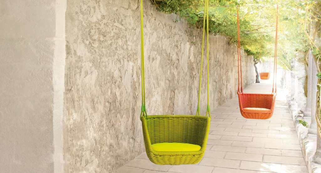 Adagio Lawn swings, design: F. Rota for Paola Lenti