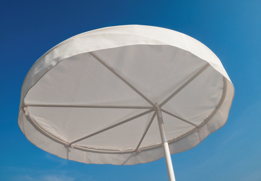 -In parasol designed by Ivan Palmini for ALL+ *This photo courtesy: ERGO
